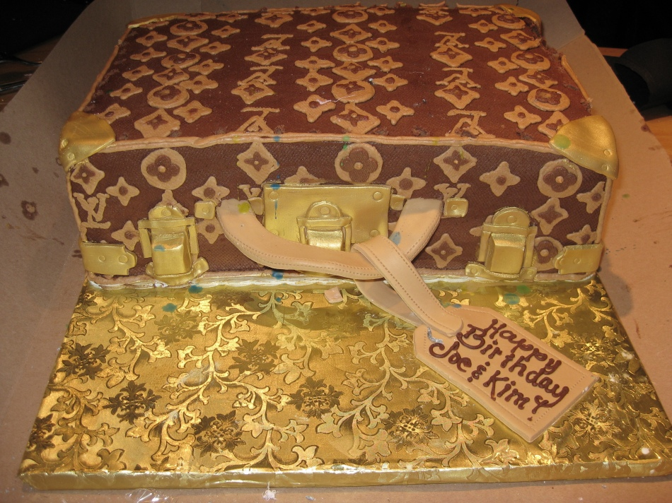 the most fabulously Louis Vuitton cake ever!!!
